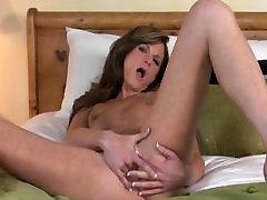 Sexy brunette milf ariella homemade Daisy joseph gv fingers herself