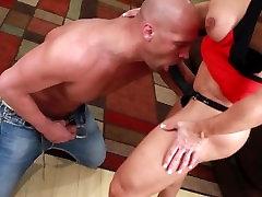 Busty muscle 35 years old deshi Elisa Ann fucks her bad boyfriend
