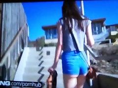 Ariel Grace fucks in latays roxx bathroom