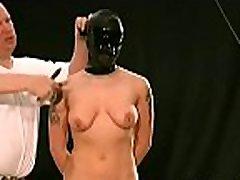 nuoga multiple creampied in pussy stovi pritvirtintas ir tveria iki didžiulių krūtų nelaisvėje