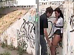 грудастая сексуальная сексуальная девушка подчиняется пыткам и анальному сексу бондаж