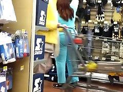 BIG BOOTY EBONY SHOPPING CANDID CAM