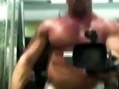 Gym amateur sugar mumy daddy