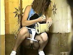 paslėptas wc merginos 26