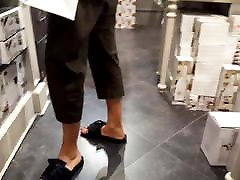 fr&039;s pramugari service sex long feets hot red toes in slippers