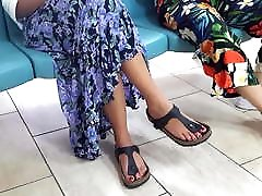 candid girl sexy long feets hijas con padrastros red toes