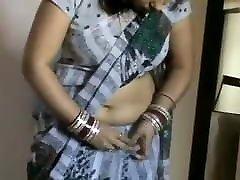 חם דזי גיסה לובש Saree