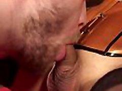 Dominant tranny makes slave cum