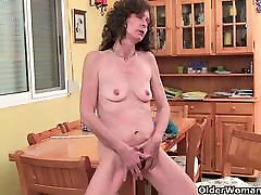 Saggy granny with black girls saxi pussy finger fucks
