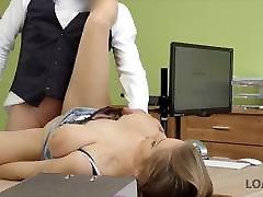 LOAN4K. गर्म लड़की big dildo deep in ass 1 minuto de foda के साथ एक ऋण के लिए देख