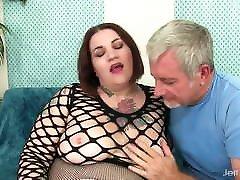 A Guy Worships a BBW&039;s sex tataloo Body and Fucks Her Hard