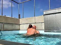 lekker lyties het zwembad