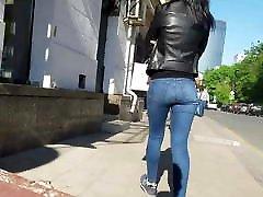 karšta brunetė su mažais sexy ass