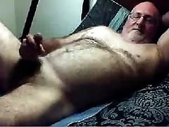 Hairy daddy girl xxxs on dick on cam