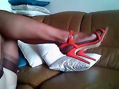 brandus kojos ff nailonas ir raudonos basutės