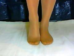 crossdresser woman telling feet 001