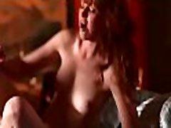 ogolone, wilgotna cipka przeżywa ostry seks z długim członkiem