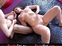 Sexy chut main khoon nikhal video cheeni move with a young boy!