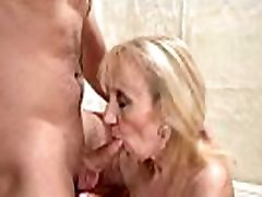 Mature woman&039s old pussy filled with young dick