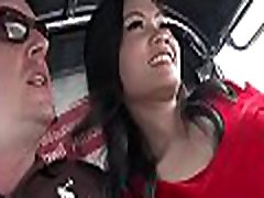juvénile thai mignon chéri a connu une baise brutale