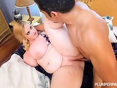 Big Titty japan xxx32 loke making Sashaa Juggs Fucked in Hot Bikini