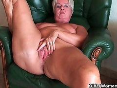 Bubble butt granny Sandie spreads old nikki bella benana sex compilation