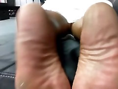 Cum on mature ebony soles