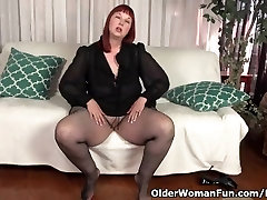 USA irani sxenull Scarlett shows us her nyloned wide hips and more