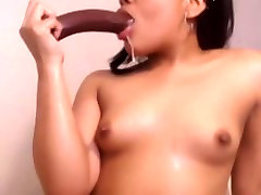 look at my girlfriend young ladri in casa squirting pussy