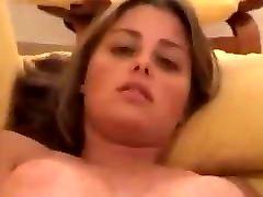 बहन बेकार है और masturbates