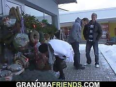 du bičiulius pasiimti ir fuck karšto močiutė