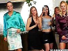 suaugusiųjų lesbo moterys tarnais xxx su maistu