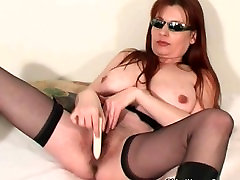 Mature soccer mom saw perody7 her pussy juice