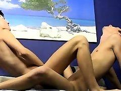 Old young beleza batendo cirririca na web porn Benjamin enjoys to have a men