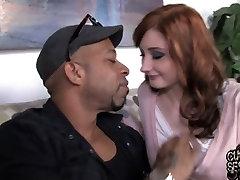 Interracial huge kiara mia fuck video with Violet Monroe