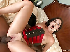 Dark meat lover doodh pilana Starz gobbles down a huge dick