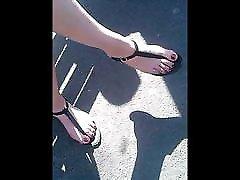 candid feet sandals waiting bus CAM0706,62 HD