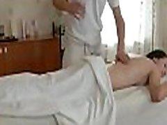 okreten oral-storitev dobi podeli z vehement kovanje