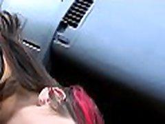 breasty prasica dobi zvabila v javni sex scene s visela paramour