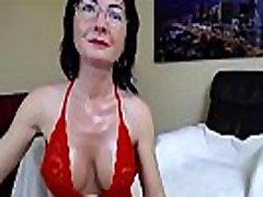 nobriedis mātei orgasming uz webcam show