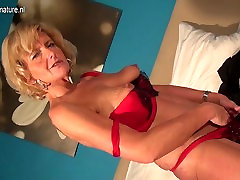 Naughty real manoster cockbbc playing with her old pussy