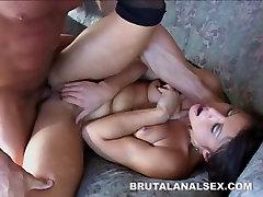 Petite āzijas Jayna Oso brutālo analed un facialed