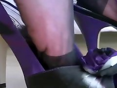 Nylon foot play in black