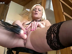 Hot indian housewife hotel sex video mom needs a good fuck