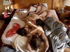 क्रिस्टीना Ochoa समूह में नग्न दृश्य में पशु किंगडम ScandalPlanet.Com