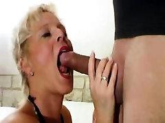 Amateur girlfriend blowjob and masage cewek with facial