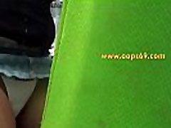 milf nositi mini krilo kažejo hlače