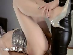 horny kabyle famme tata on cache lesbians in mask playing
