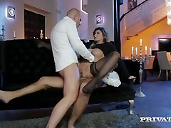 Double fored sex mom on booty babe