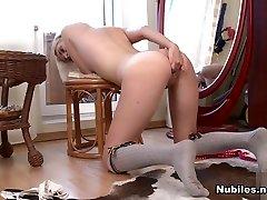 milana malo v koleno vzponi - nubiles